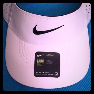 🆕 ONLY 1! Nike Adult Unisex Visor